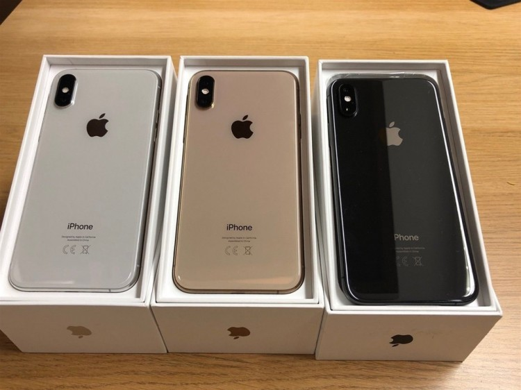 Apple iPhone XS 64GB = 400 EUR ,iPhone XS Max 64GB = 430 EUR ,iPhone X 64GB = 300 EUR, Whatsapp Chat : +27837724253